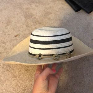 Southern Boutique straw hat